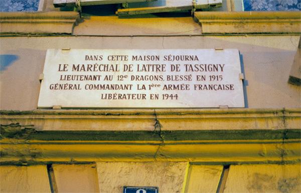 La Plaque du Maréchal de Lattre de Tassigny - Place des Alliés, Masevaux